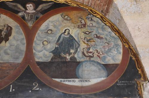 Der Jesus im Himmel umgeben von Engeln.