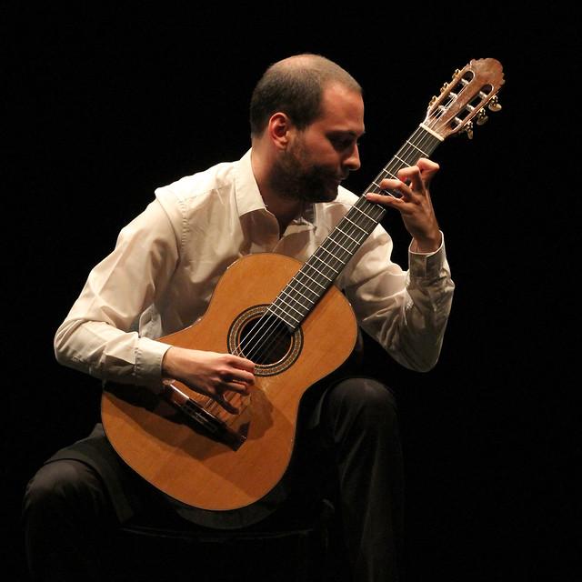 DAVID ANTIGÜEDAD, GUITARRA - CICLO JUVENTUDES MUSICALES - TEATRO EL ALBÉITAR DE LA UNIVERSIDAD DE LEÓN 10 DE OCTUBRE´17