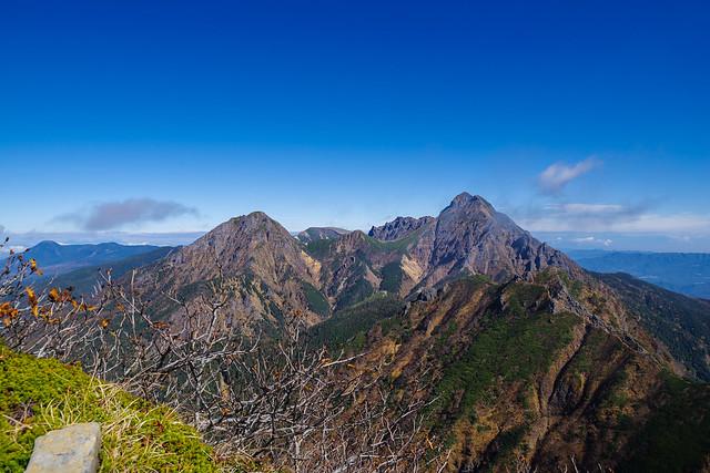 東ギボシ・権現岳間の稜線着・・・八ヶ岳主峰