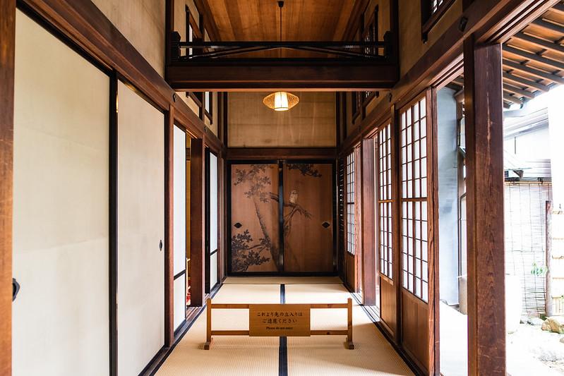 旧岩崎邸和館の廊下