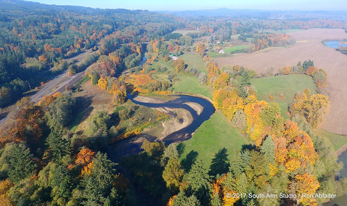 fall fallcolour olequa creek river vadar castle rock washington pacificnorthwest southarmstudio