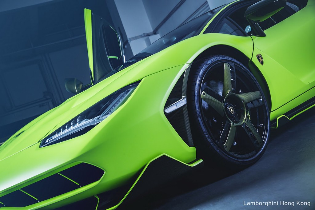 lambo-centenario-all-green-hongkong-5