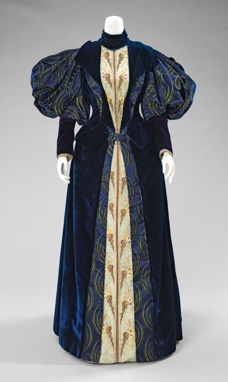 1895 Dress. French. Silk