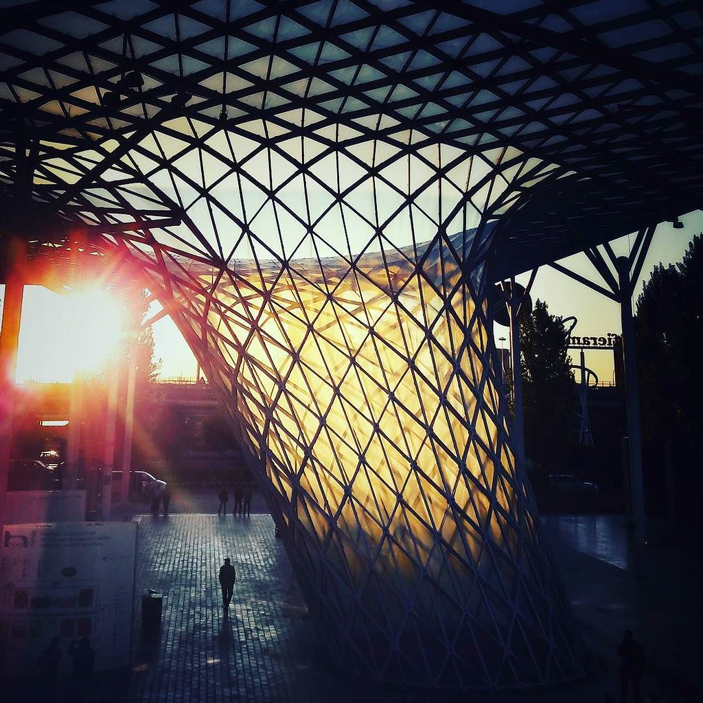 Work, early morning #fieramilano #dawn #sun #autumn #colorful #milano #architecture #modernarchitecture #building #glass #tradeshow #work #awesome #followme #bestoftheday #picoftheday #photo