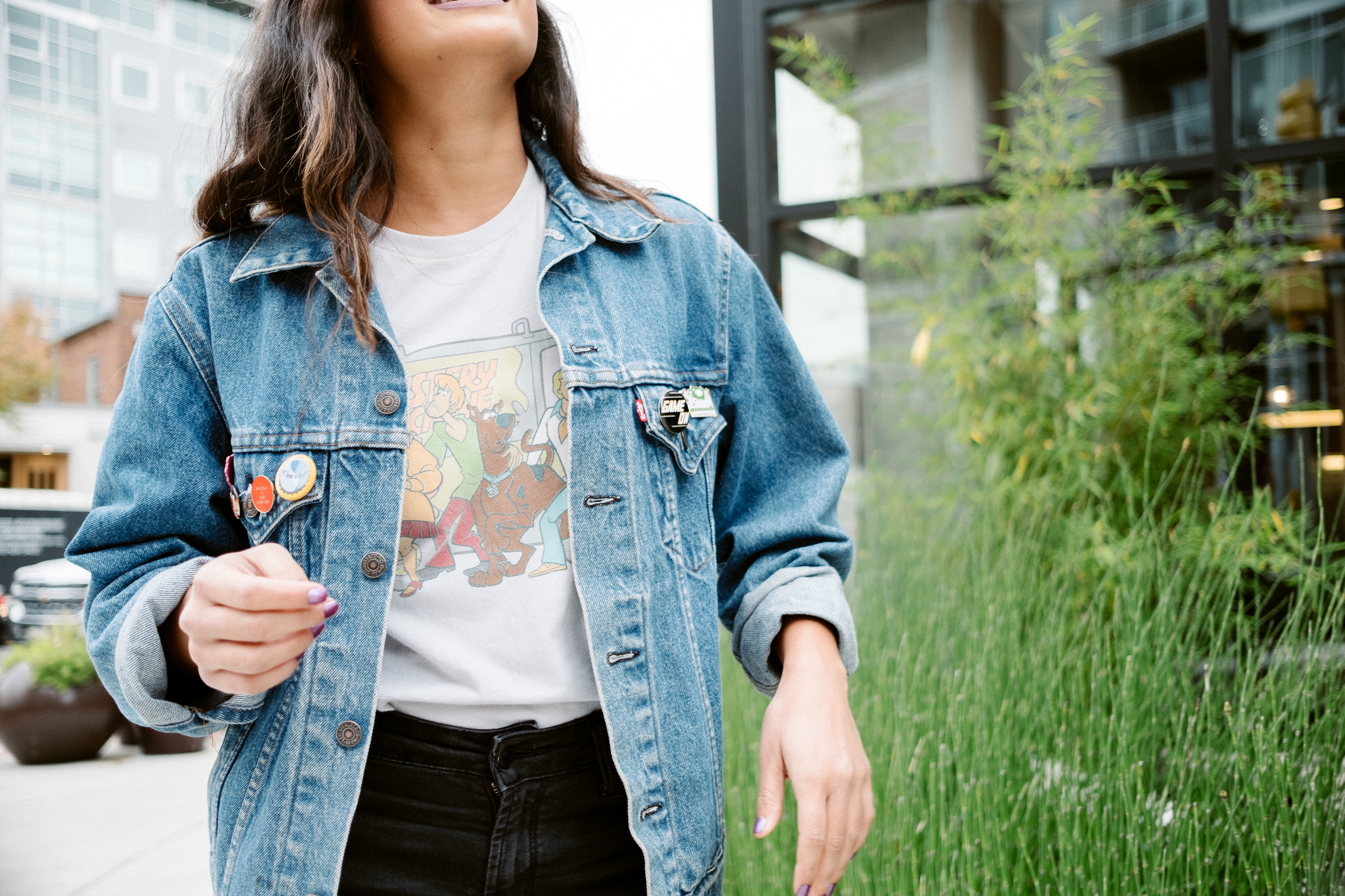 Priya the Blog, Nashville style blog, Scooby Doo graphic t-shirt, vintage denim jacket, moody Fall outfit, graphic tee