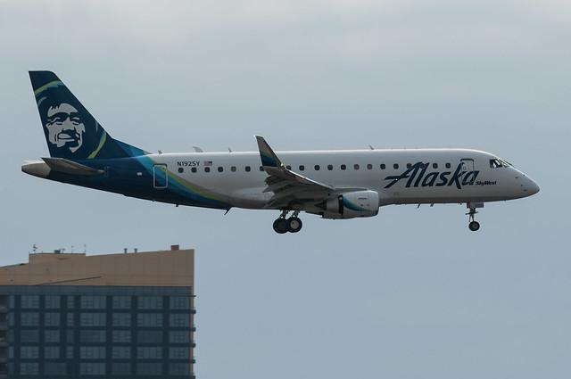 Alaska ERJ-175