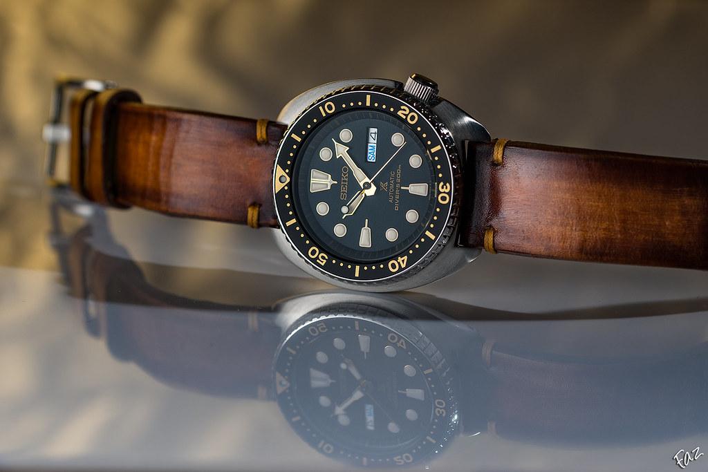 Comment s'appelle ce type de bracelet en cuir ? 38165710461_af38b5328c_b