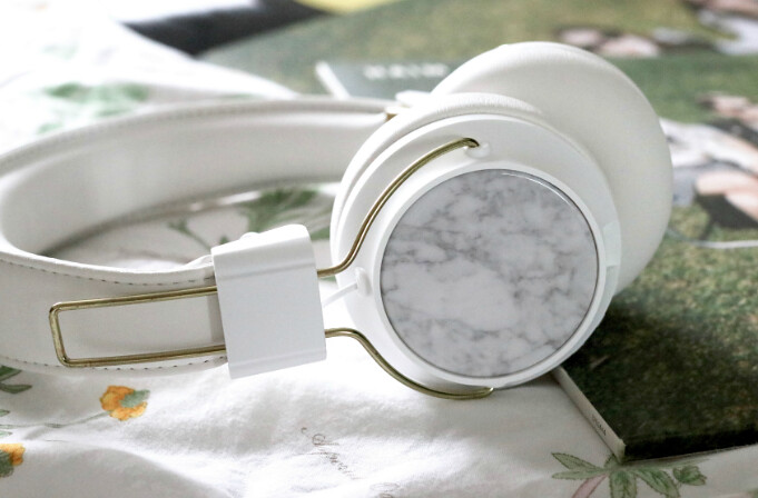 sudio,sudio sweden, monthly playlist , katelouiseblog, lifestyle, sudio headphones, white and gold headphones, music,