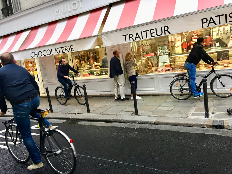 Paris bikes and street scenes-48.jpg