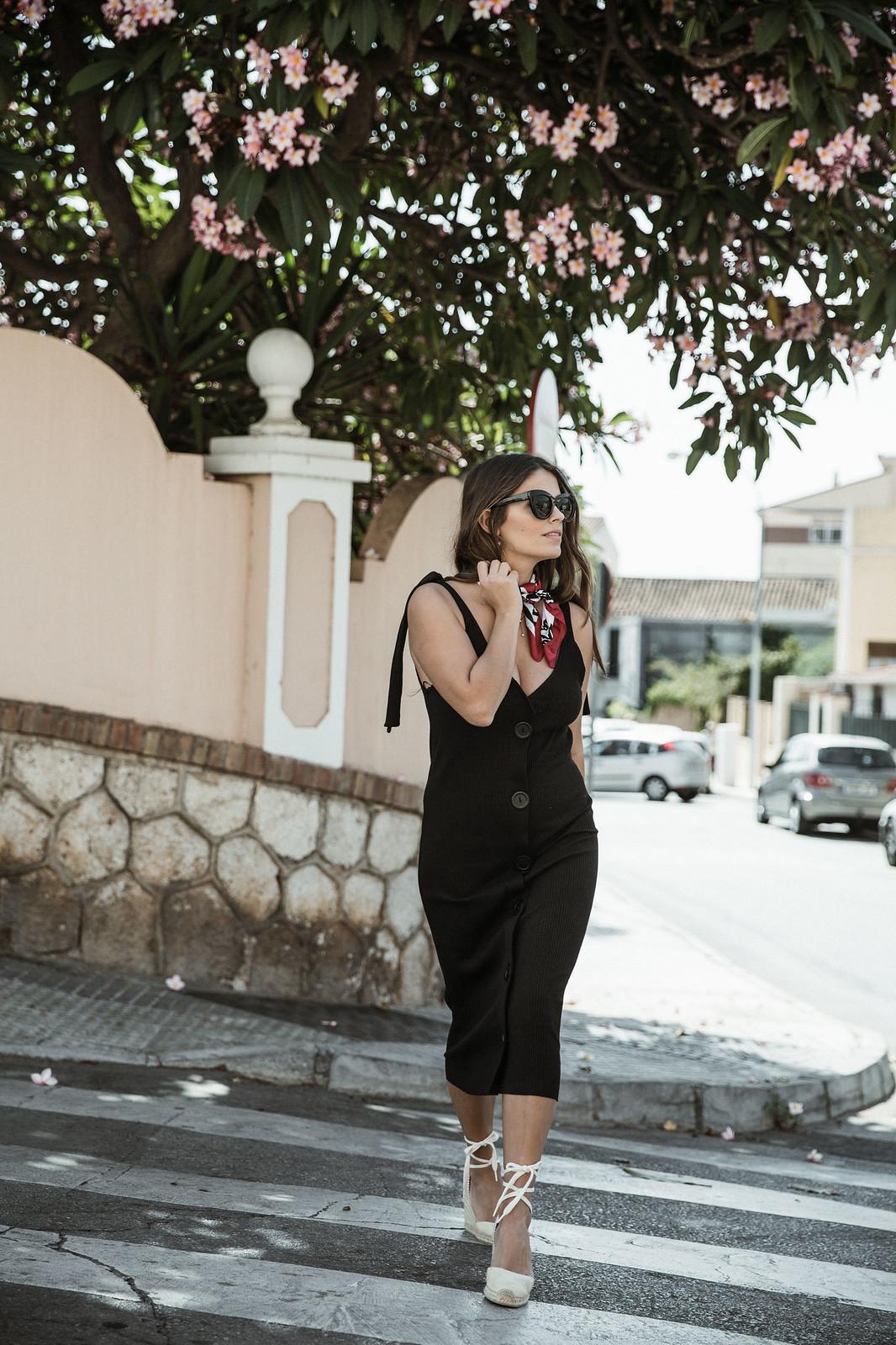 seams for a desire - jessie chanes - black tight dress - zara-11