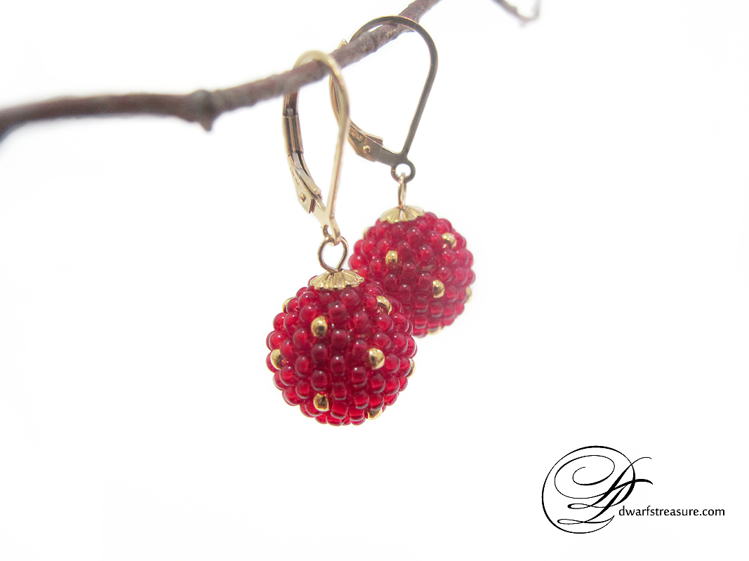 Amazing polka dot red and gold beaded bead earrings