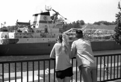 ship and people 2