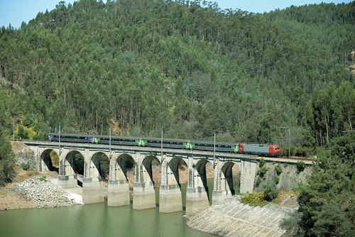Santa Comba Dao (distrito de Viseu ) IC 511 Lisboa St Apolonia - Guarda , serie CP 5610