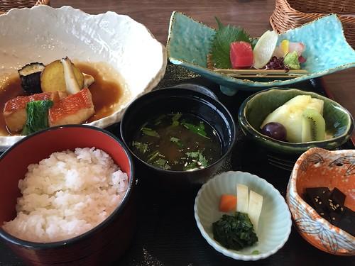 トスラブ館山ルアーナ 昼食 煮魚定食