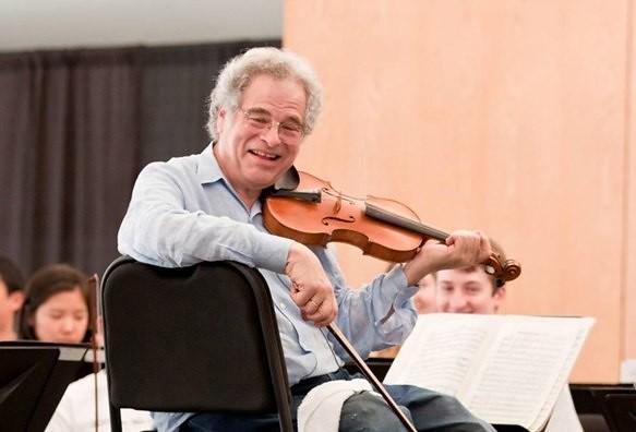 photo of Itzhak Perlman teaching