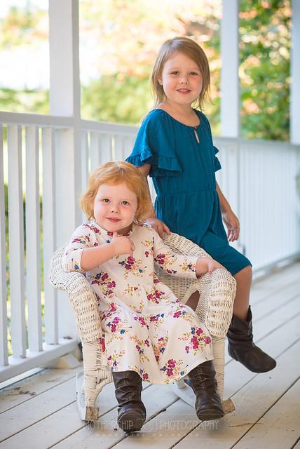 Ottawa family photographer Danielle Donders takes fun family portraits