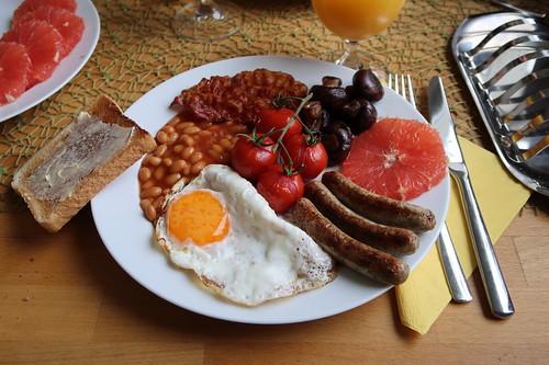 Englisches Frühstück (mein 1. Teller)