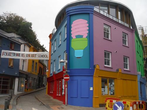 Folkestone Triennial: Michael Craig-Martin - Folkestone Lightbulb [Tontine Street]