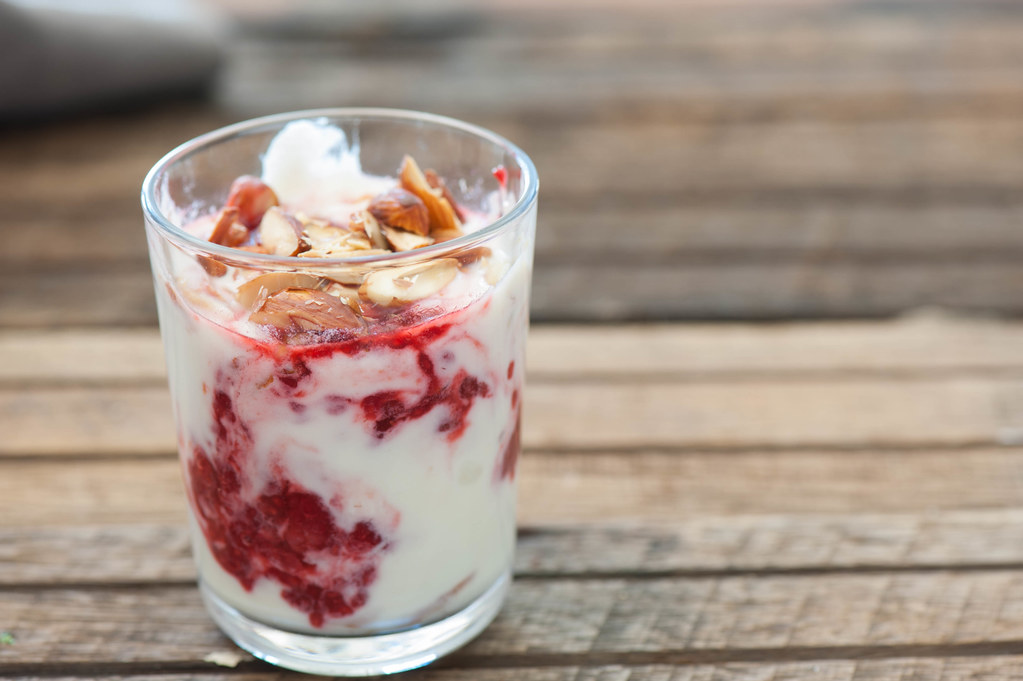 Quick Raspberry Yoghurt Mousse-