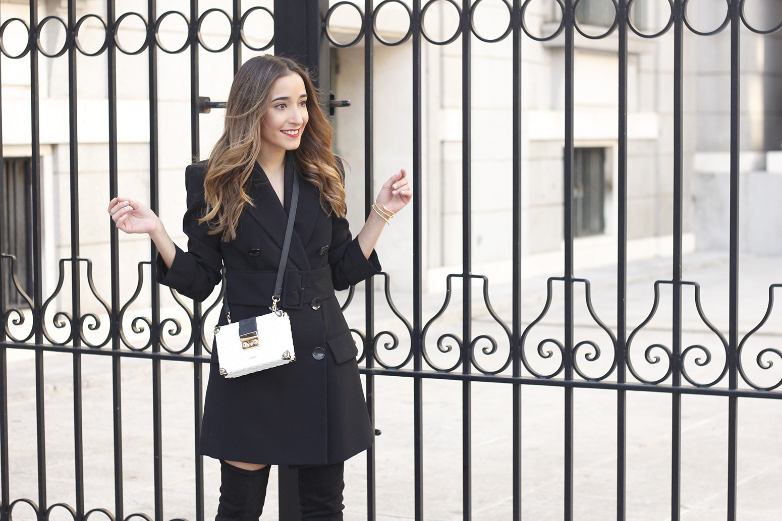Black Blazer dress over the knee boots outfit uterqüe fashion style outfit autumn15