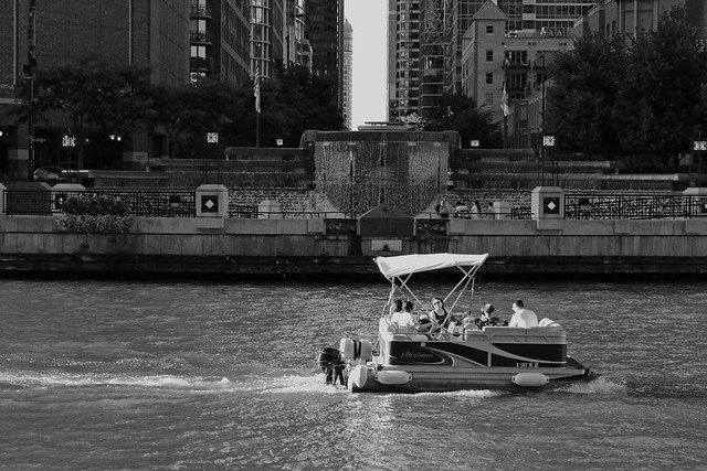 Along the Chicago River - Aug 6 2016 - 7D II -