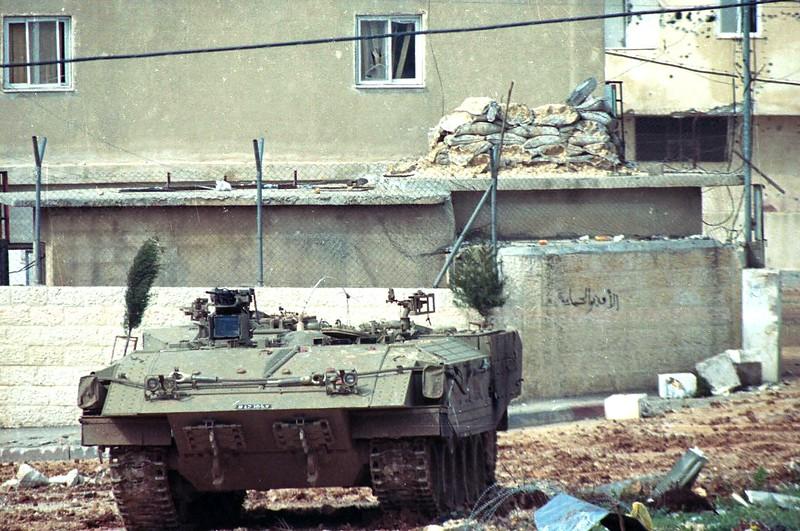 Achzarit-homat-magen-2002-f-3