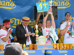 nathans famous. hot dog eating contest. naperville ribfest 2017