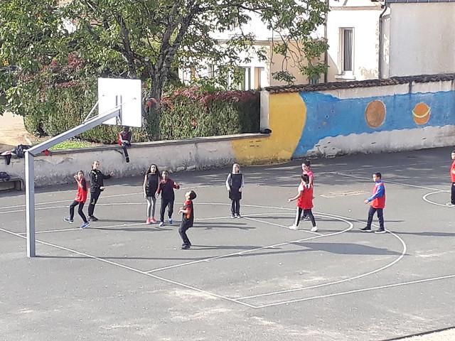 Les élèves de 6ème du collège Jean Moulin se sont essayés aux activités de l'AS