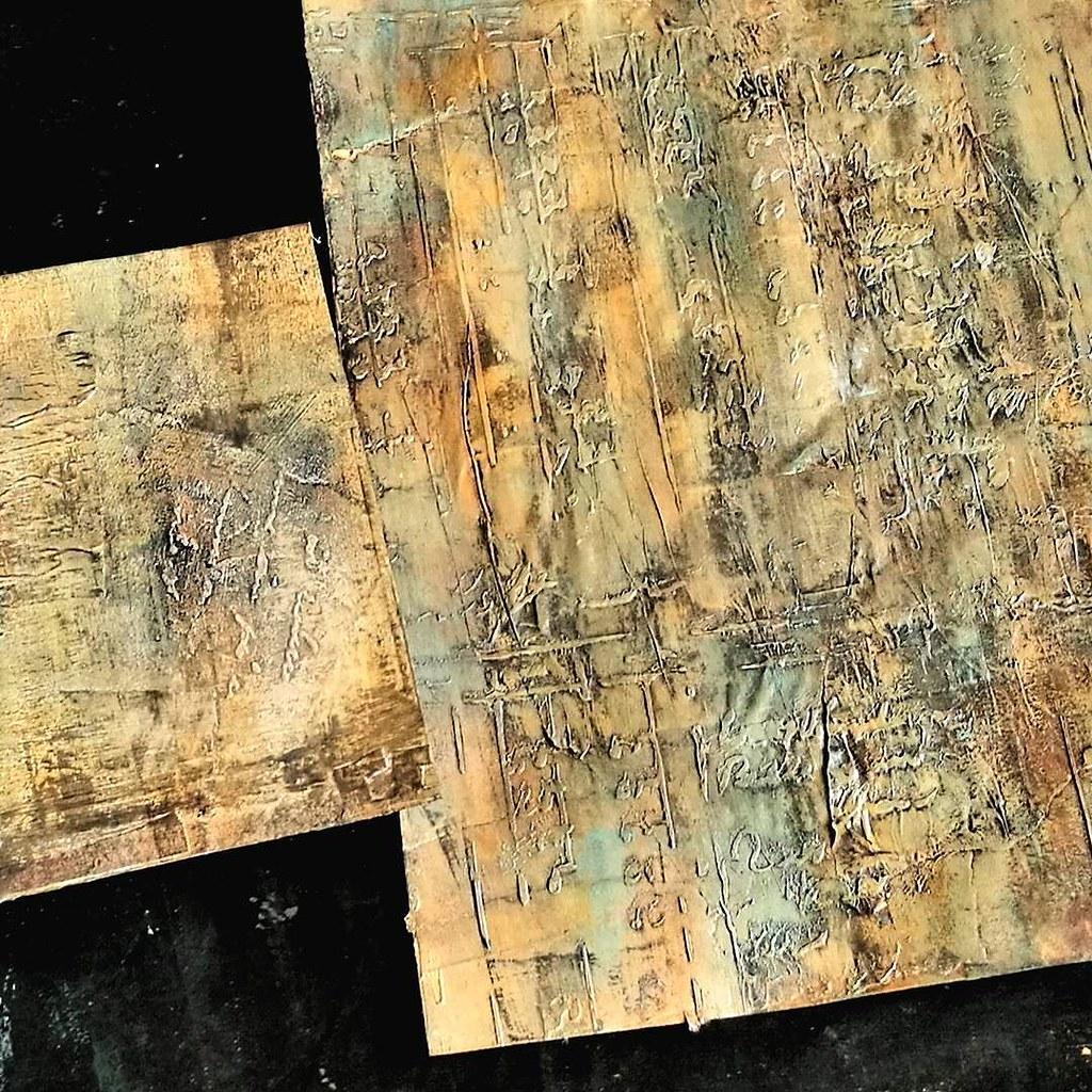 Textures and autumn colors. #workinprogress #texture #wip #onmydesk #showyourwork #process #mixedmediatechniques #mixedmedia #artistsofinstagram #artjournal #halloween #fallinspiration #artistofig #mixedmediaart #stencils #thecraftersworkshop