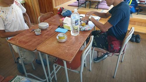 道の駅三田貝分校。給食を食べてる気分で昼米を食す