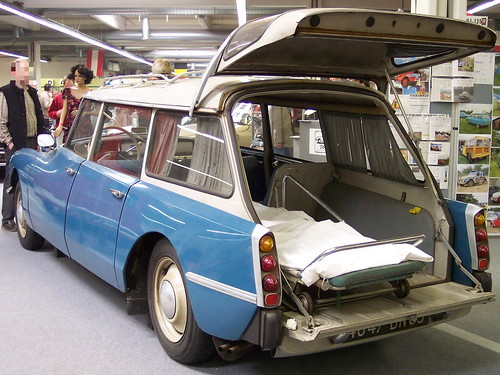 citroen-ds-ambulance