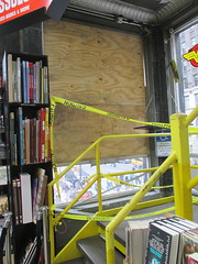 Man Jumps Out Midtown Comics Store 2nd Floor Window 2251