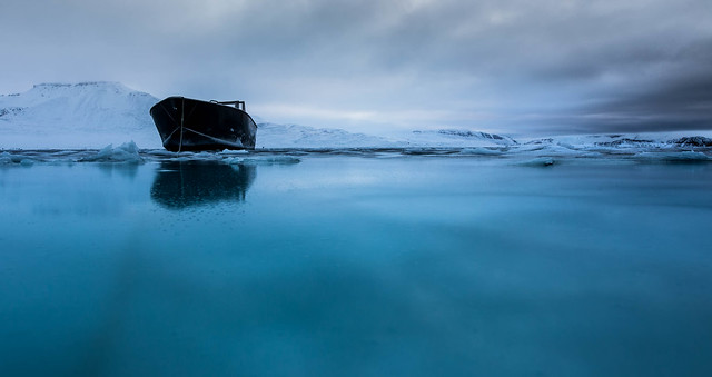Anchored in blue, Canon EOS 5D MARK III, Sigma 20mm f/1.4 DG HSM | A