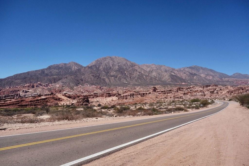 Salta Sud - Route dans le desert