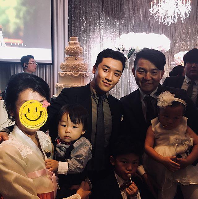 [Instagram] 👨👩👦👧👶🍂 (ultrakuni) # #다음엔꼭셀카모드 2017-10-23 - 2017-10-23 (details see below)