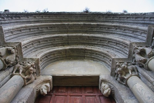 Detalle da portada de San Paio de Diomondi