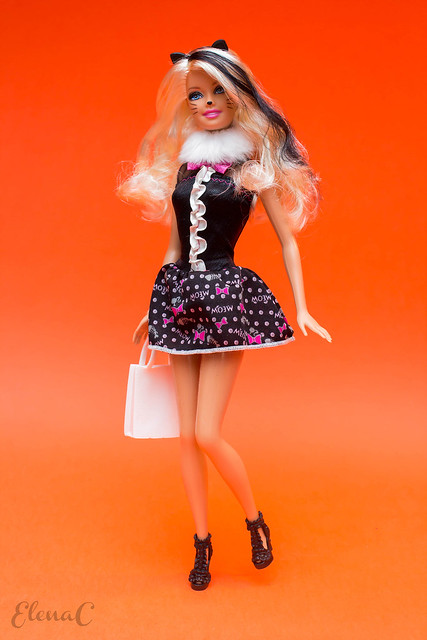 Barbie Halloween 2012 (Halloween Star)