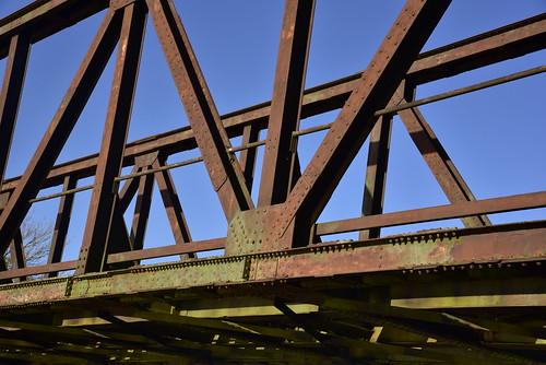 Zwischen Schwabstedt und Norderstapel -  Eisenbahnbrücke über die Treene; Norderstapel, Stapelholm (6)