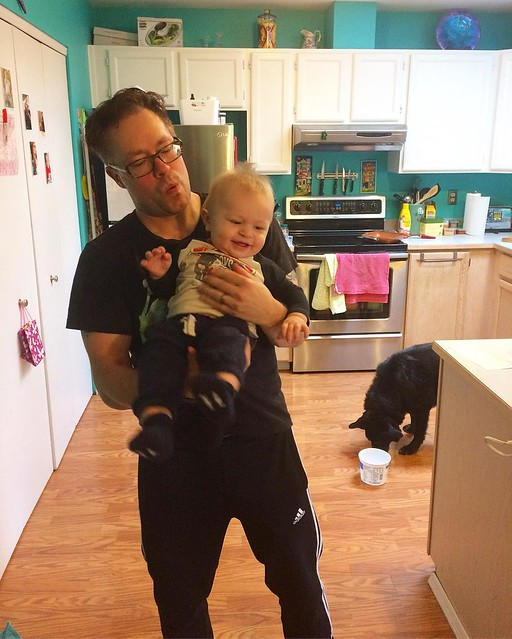 Saturday morning Daddy/baby dance party 💙