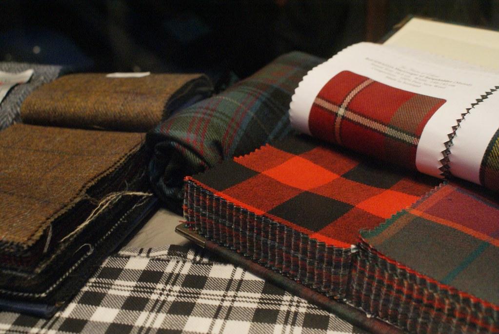 Tissu écossais dans une boutique d'Edimbourg.