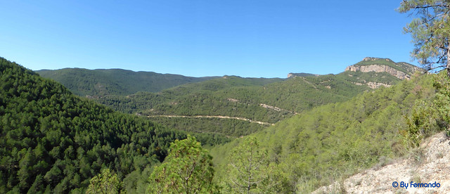 Solsonès 2017 - Exc 02 - Plans de Peà i Amagats Camíns -02- Obaga de Sòria -02- Vista a la Serra de Vilaseca, Serra Alta, Rua de la Cabrota y Rua de Corrua
