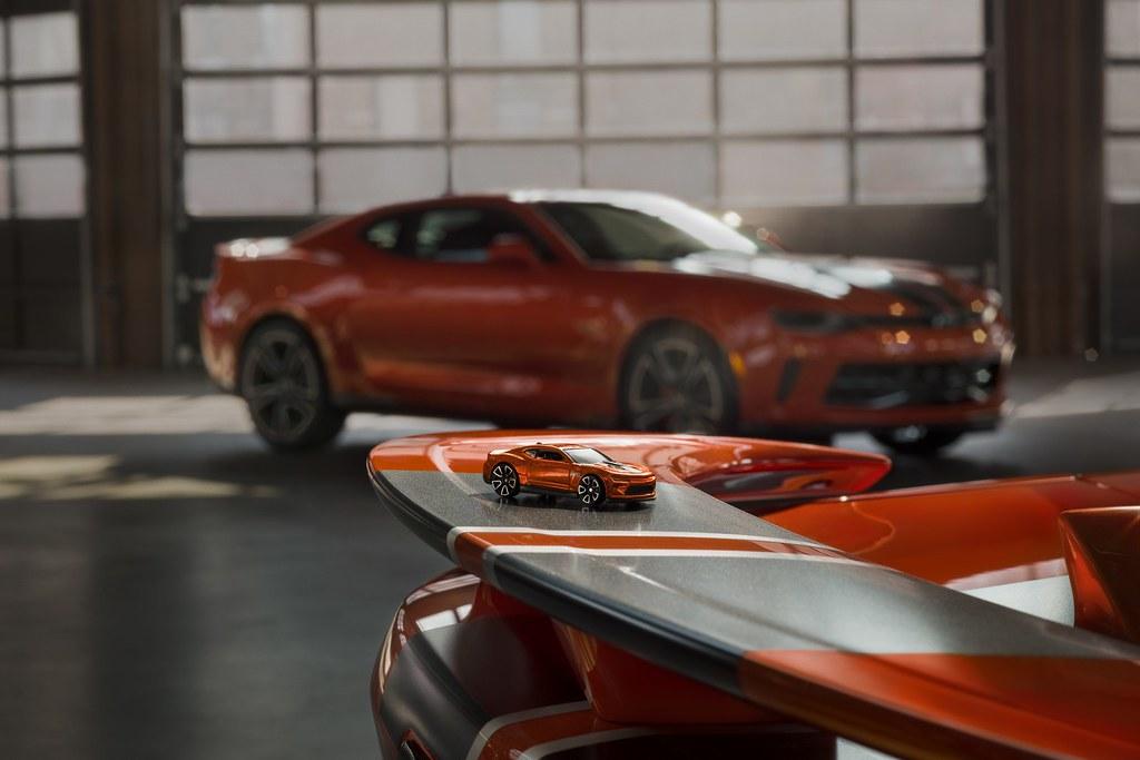 Chevy-Camaro-Hot-Wheels-1