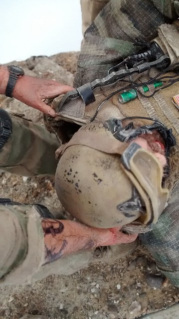 """""""Cover me Bro...!!!"""" US Green Berets in Iraq 2003 24005555498_213c1d5cfe_z"""
