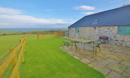 Caerhafod Lodge Pembrokeshire Coast - views from outside picnic area