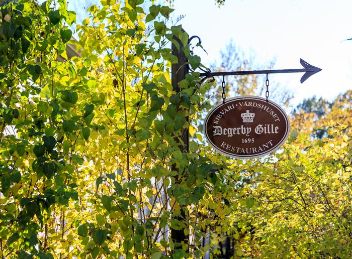 Loviisa vanha puutalo kievari degerby ville restaurant ravintola peltikyltti vanha kyltti (1 of 1)