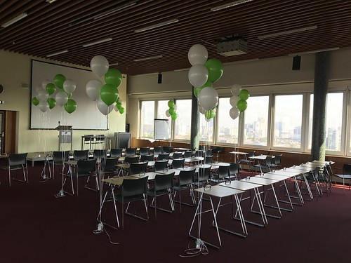 Tafeldecoratie 5ballonnen Gronddecoratie Hoge School Rotterdam