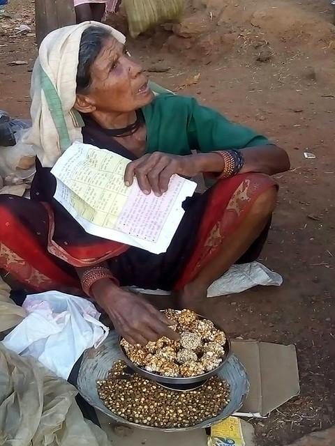 आदिवासियों के परम्परागत भोजन पर संकट