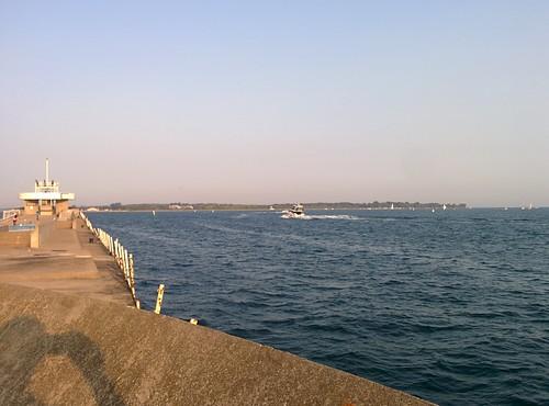 On the pier (3) #toronto #ontarioplace #pier #concrete #architecture #plane #marina #lakeontario #torontoislands #hanlanspoint #latergram