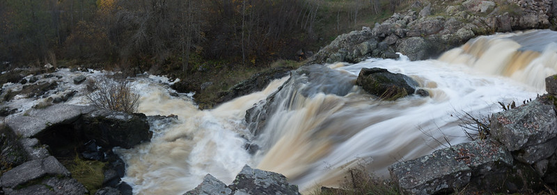 Kuhaköngäs waterfall (long exposure panorama)
