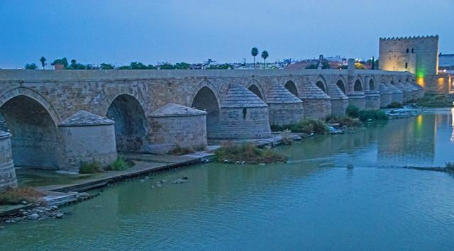 Puente Romano at Dawn.jpg